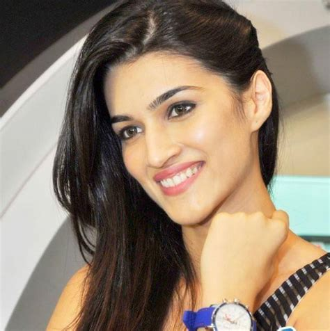 bollywood heroine all photo download all new collection of kriti sanon wallpapers