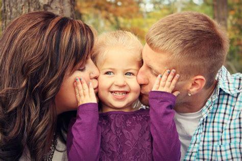8 Ideas For A Family by Great Family Photo Idea Photography Photos Family Of 3