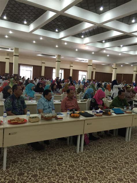 tutorial ut kendari foto seminar nasional literasi dan deklarasi jatim