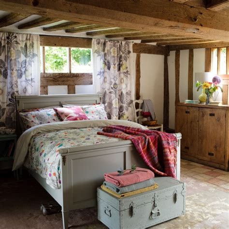 Ideas For Country Style Bedroom Design Cosy Country Bedroom Bedroom Decorating Ideas Beds Housetohome Co Uk
