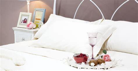tavolini da letto tavolino da letto dolci arredi per la casa dalani