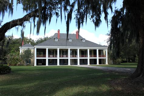 plantation homes file destrehan plantation house 2012 jpg wikimedia commons