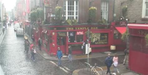 dublin live cam live dublin st paddy day live temple bar people watching