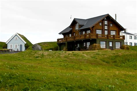 farmhouse or farm house file icelandic farmhouse jpg