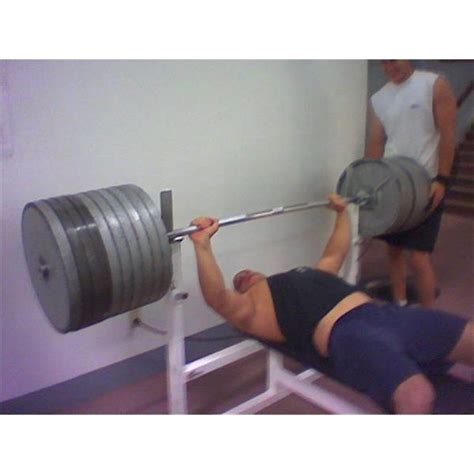 what is the most weight ever bench pressed who has the world record for most bench press weight