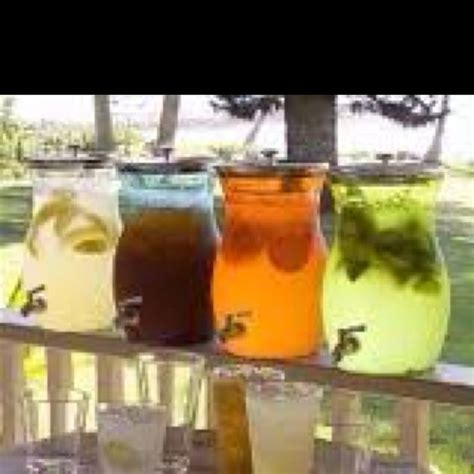 summer wedding cold drinks served in attractive and icy