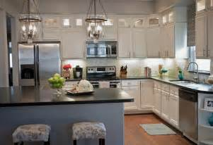 Kitchen With White Cabinets How To Create A Beautiful Decor With White Kitchen Cabinets Modern Kitchens