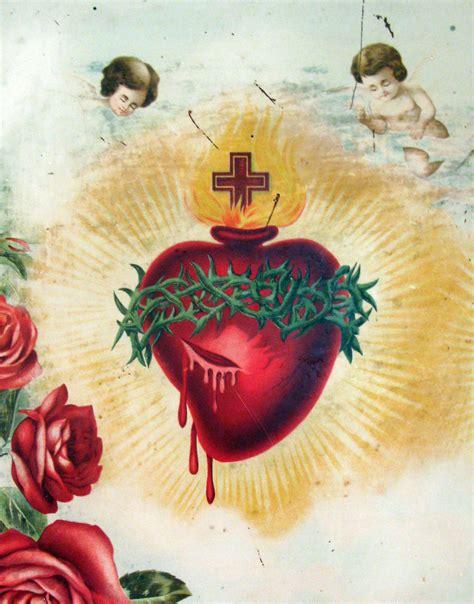 sacred heart close to his sacred heart regnum christiregnum christi