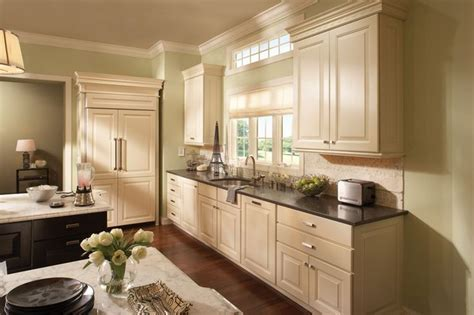 40 best images about medallion cabinetry on pinterest 17 best images about beautiful kitchens on pinterest