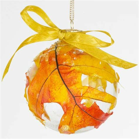 30 cool ways to use autumn leaves for fall home d 233 cor tinker with natural materials 30 cool fall decoration