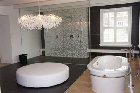 bad mit tapete moderne badezimmer designs f 252 r jeden geschmack