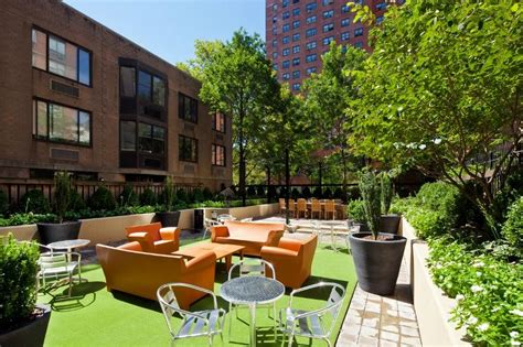 apartment courtyard 101 west 90th street rentals james marquis apartments