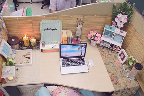 cubicle chic shai lagarde love chic style blogger cubicle decor beach inspired summer theme work space office