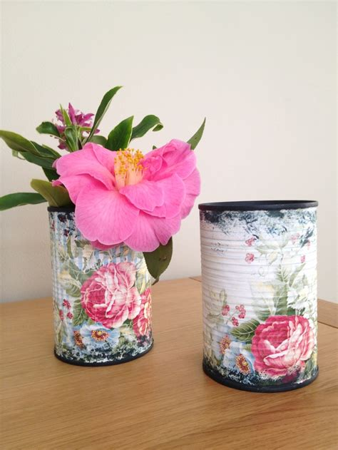 Tin Vases For Flowers by Re Purposed Tin Can To Pretty Vases For A Few Flowers From
