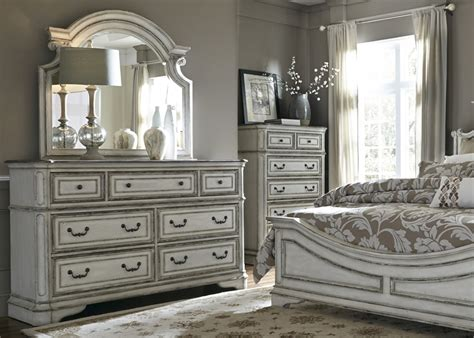 magnolia manor sleigh bed  piece bedroom set  antique white finish  liberty furniture