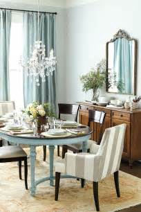Chandelier For Dining Table How To Select The Right Size Dining Room Chandelier How To Decorate