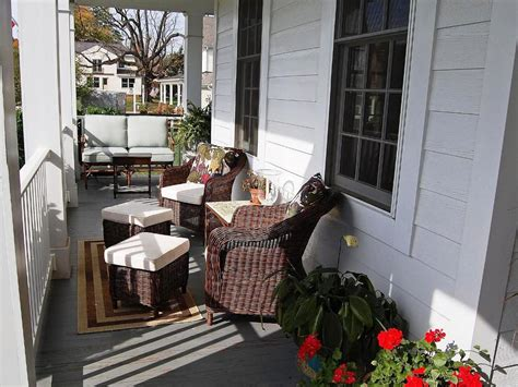 country porch decor thehrtechnologist cozy country