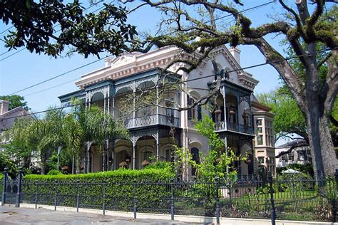 city view new orleans style mixes it up garden district walking tour new orleans attractions
