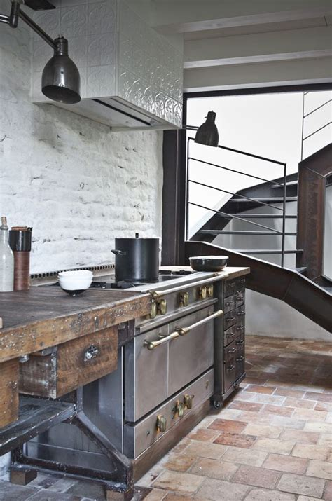 industrial  rustic kitchen  dark colors
