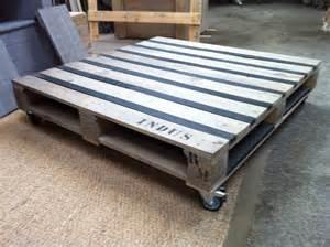 table basse en palette 12 exemples meubles en palette