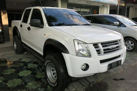 d max rodeo isuzu dmax cabin manual 2011