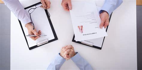 preguntas para una entrevista profesional profesionales ti 3 preguntas con tra para las cuales