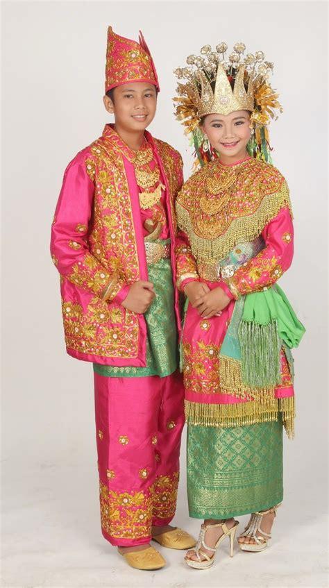 nama perkain kaum bali gambar dan nama pakaian adat tradisional dari 33 provinsi