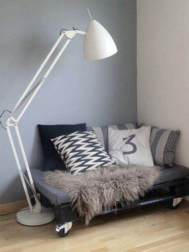 diy cuddle couch repurposed pallets corner reading nooks reading nooks