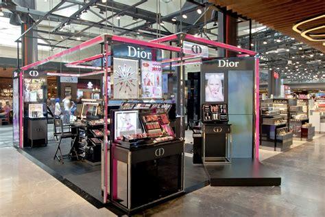 traliccio americano cosmetics pop up store pop up store pop up pop up stores