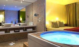 hotels with tub in room top hotels with in room jacuzzis room5