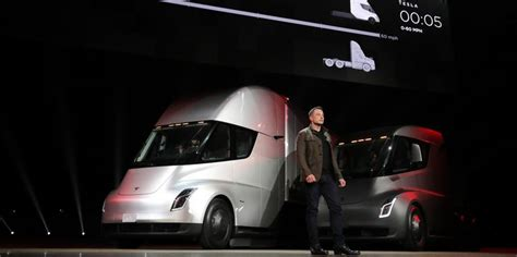 2020 Tesla Semi by The 2020 Tesla Semi Is The Semi Truck Naturally