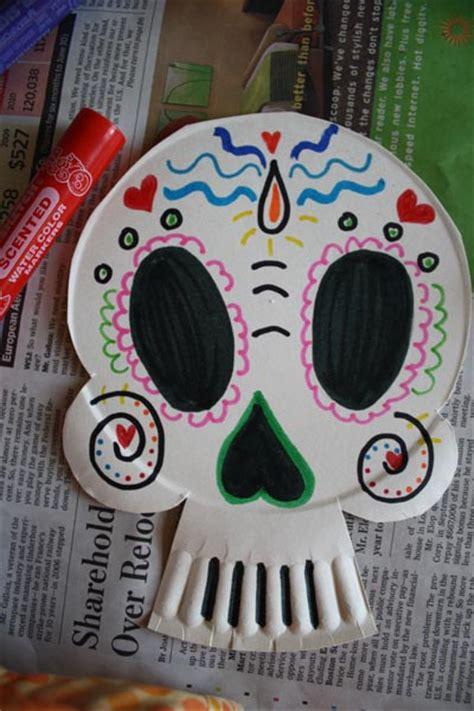 dia de los muertos crafts for scrumdilly do make paper plate calaveras masks