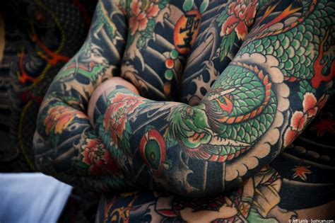 yakuza tattoo suit ai nihon 愛日本 yakuza the japanese mafia farmofminds