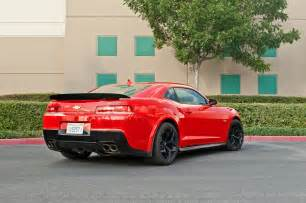 2015 chevrolet camaro z28 rear three quarter photo 6