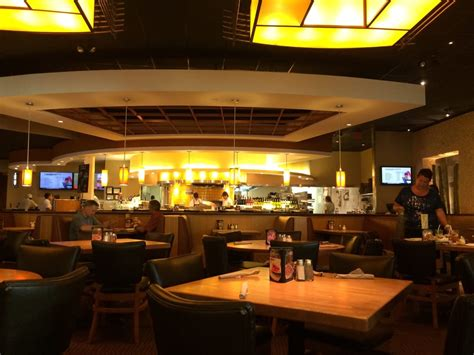 California Pizza Kitchen Hawaii by California Pizza Kitchen 323 Photos 268 Reviews