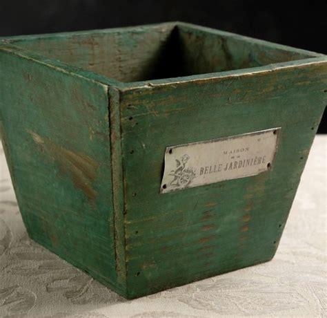 belle jardiniere square wood planter box