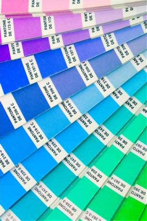 home decorating ideas using pantone s colors of the year spectrum painting