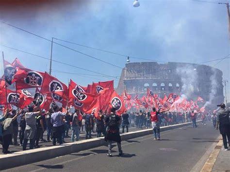 casa pound roma il suicidio annunciato dell estrema sinistra anti casapound