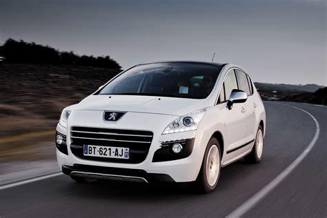 Peugeot Lowers 3008 Hybrid4 Diesel Electric Hybrid