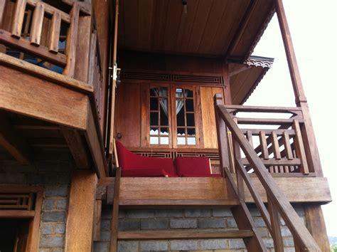 dijual rumah semi kayu  lembang   property