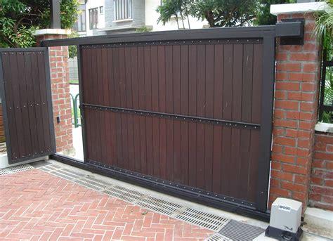 automatic sliding house gates google search house gate