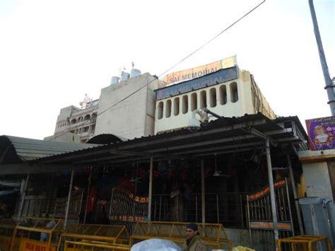 Sai Sangam Hotel Shirdi India Asia shops selling religious articles picture of sai baba