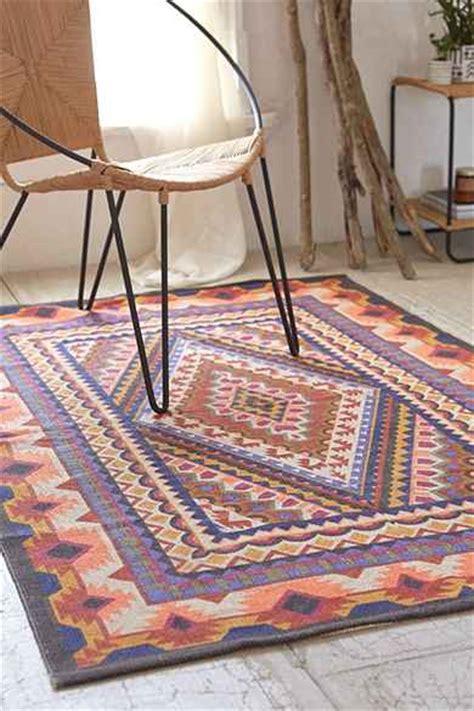 urbanoutfitters rugs magical thinking medallion handmade rug