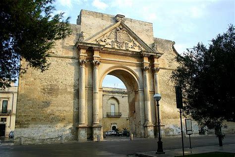 centro porte italia napoli foto lecce porta napoli globopix