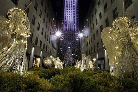 nyc christmas tree lighting amid protests police the blade