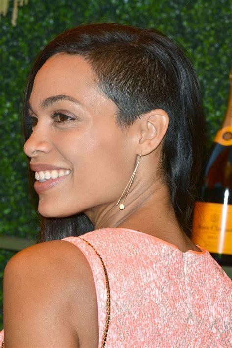 Hair Cuts Simspon Rosario Dawson by Rosario Dawson 2014 Veuve Clicquot Polo Classic In
