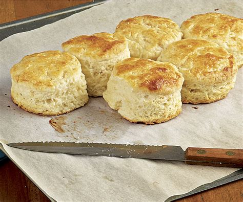 how to make biscuits how to make buttermilk biscuits by foodie