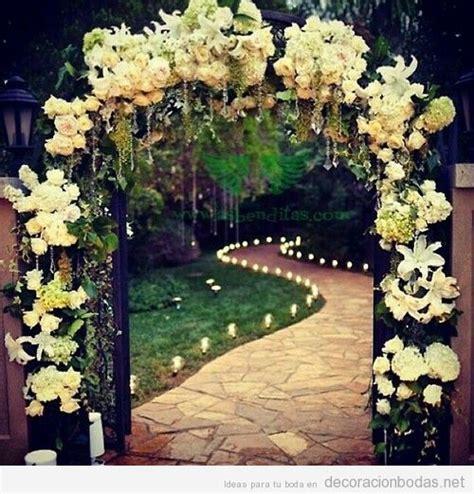 arco jardin ideas para decorar un arco con flores boda en un jard 237 n