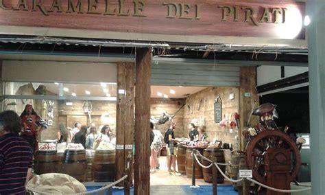 come arredare un negozio di parrucchiere marketing negozio caramelle dei pirati riccione 187 cliento