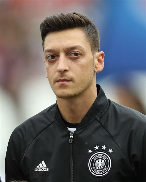 ozil new hairstyle photos ozil haircut mesut ozil hairstyle hairstyles ideas